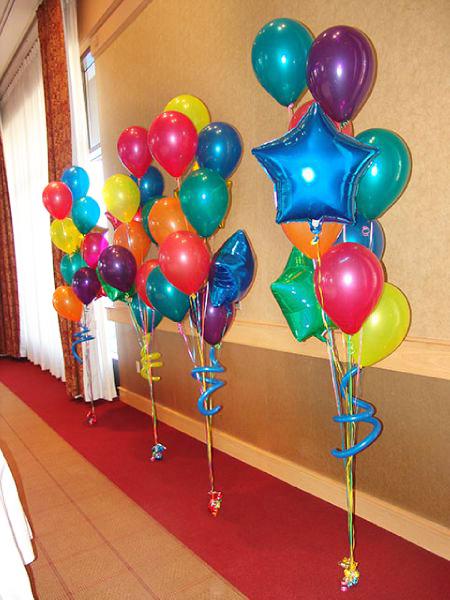 Decoraci n de globos con helio alab o todo para fiestas for Decoracion para pared con globos