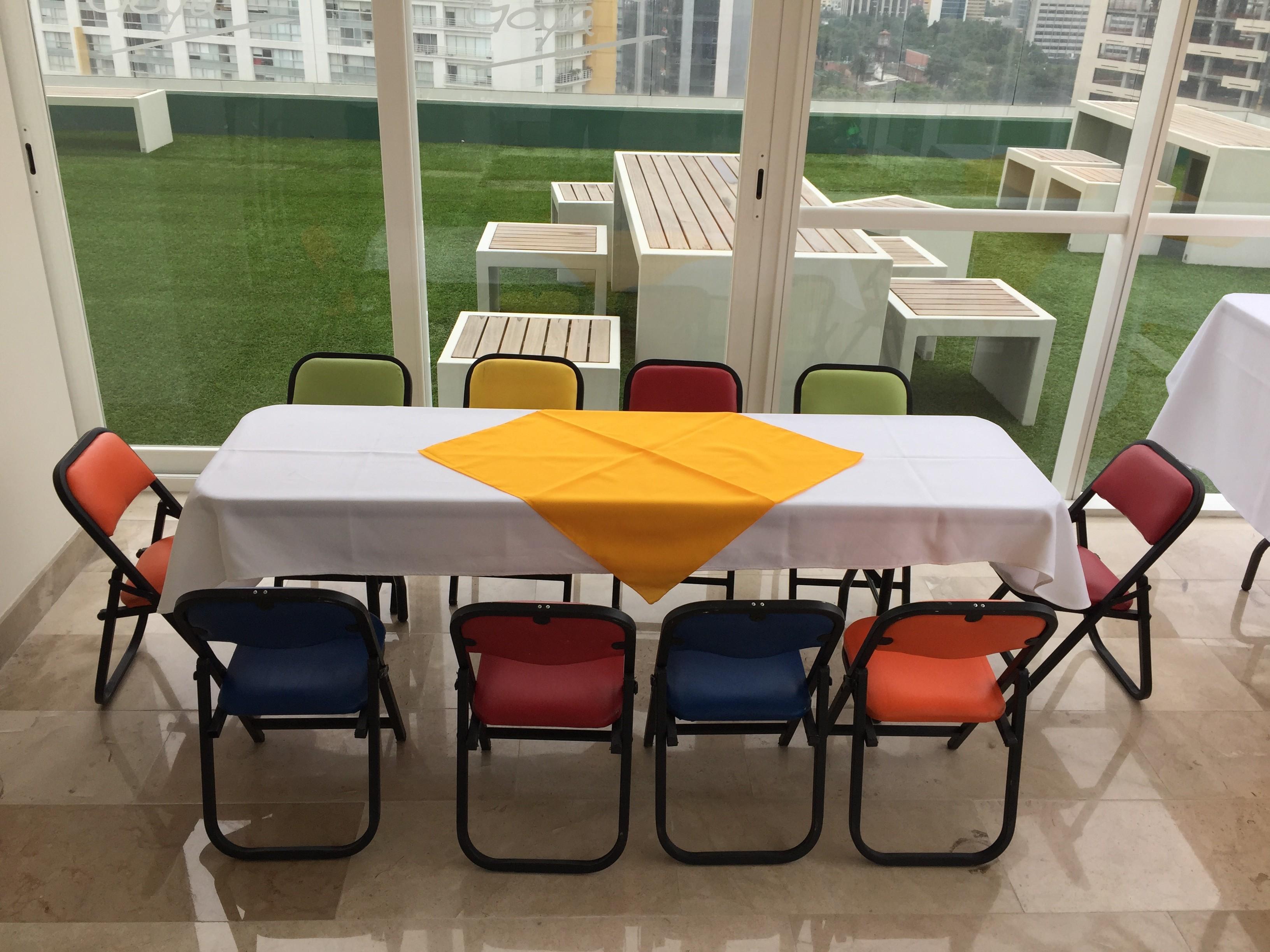 Renta de mobiliario infantil renta de mesas para ni os - Mesita con sillas infantiles ...